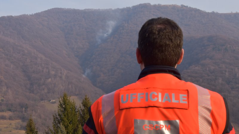 Incendio di bosco in Valle di Muggio